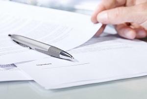 Важные документы, шариковая ручка